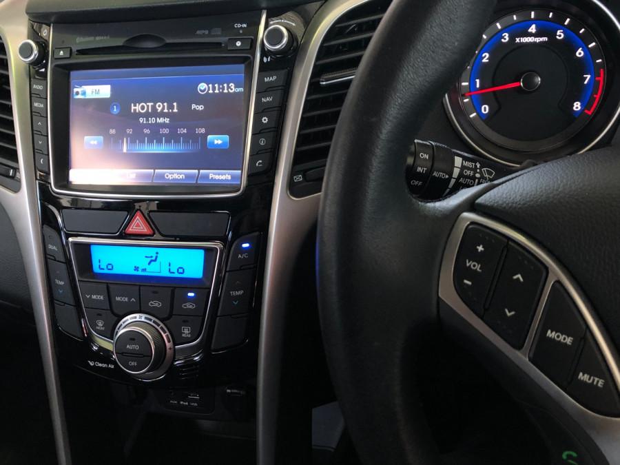 2015 MY16 Hyundai I30 GD3 Series II  SR Hatchback Image 14