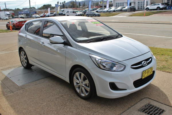 2017 MY18 Hyundai Accent RB6  Sport Hatchback Image 4
