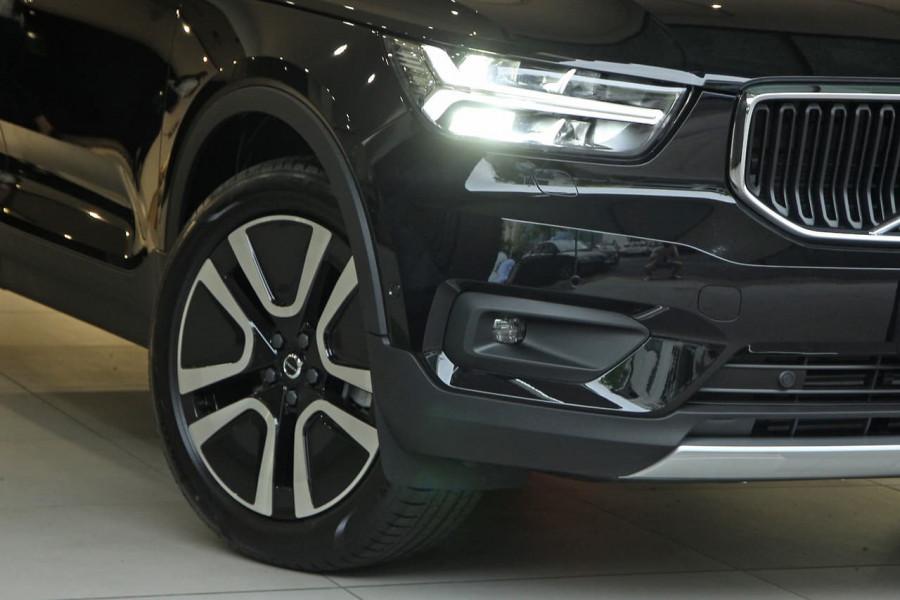 2020 Volvo XC40 XZ T4 Momentum Suv Image 20