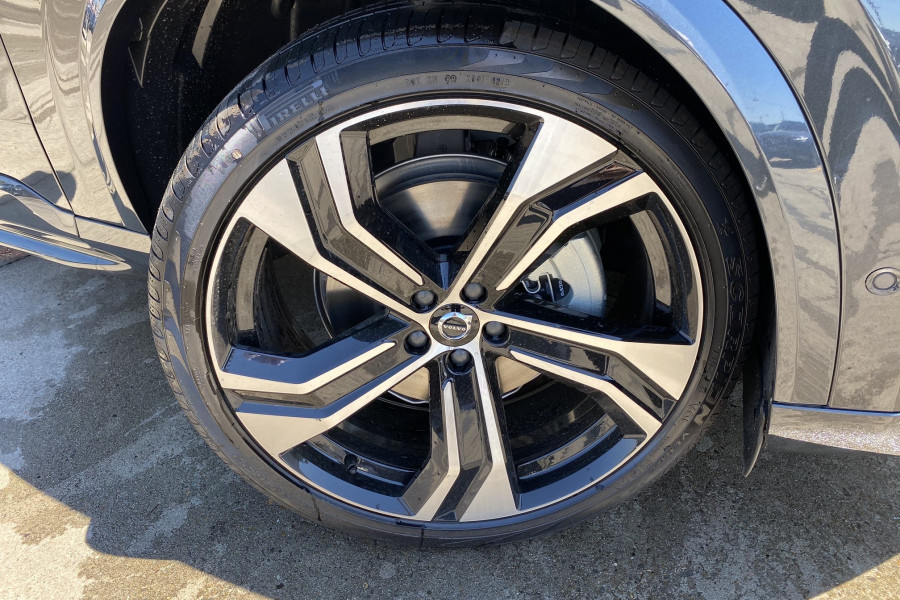 2020 Volvo XC90 L Series T6 R-Design Suv Mobile Image 6