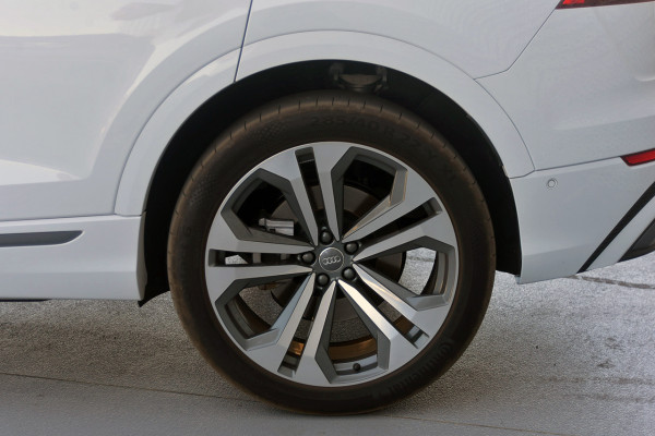 2018 MY19 Audi Q8 Suv Image 4