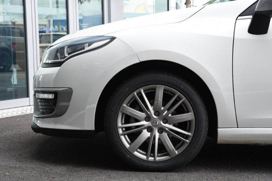 2015 Renault Megane III E95 Phase 2 GT-Line Convertible Image 5
