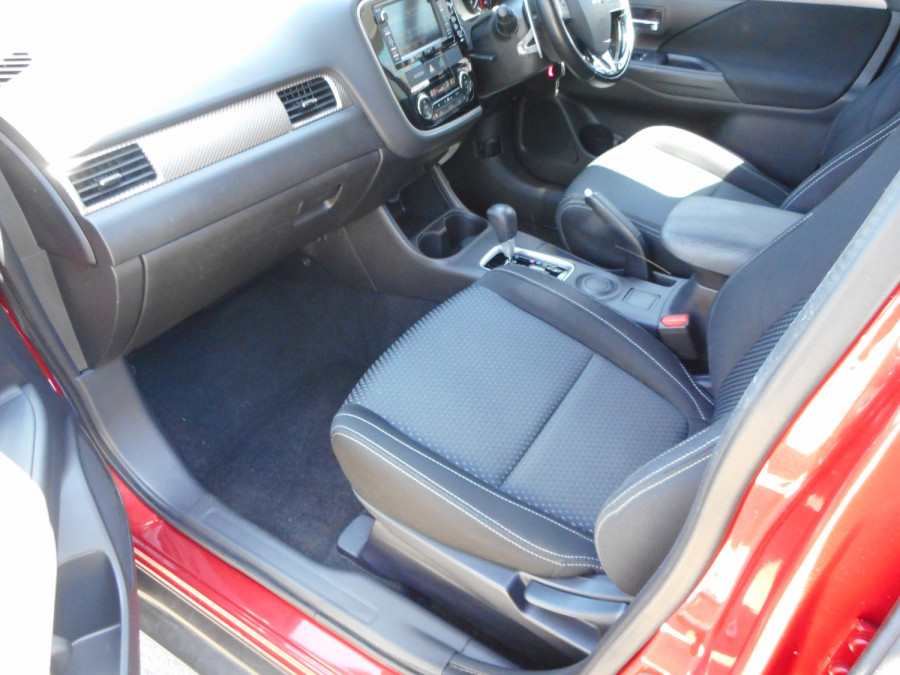 2015 MY16 Mitsubishi Outlander ZK  XLS Suv Image 12