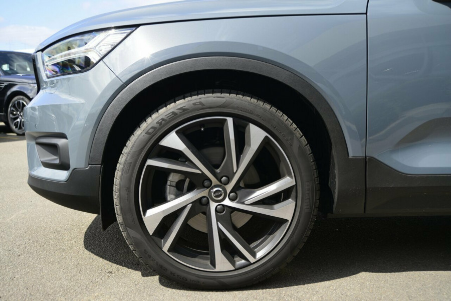 2019 Volvo XC40 XZ T5 R-Design Suv Image 4