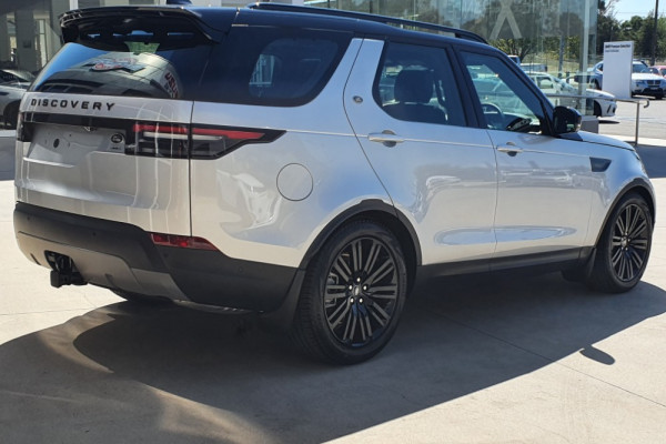 2019 MY20 Land Rover Discovery 4 Series 5 L462 MY SD6 Wagon Image 2