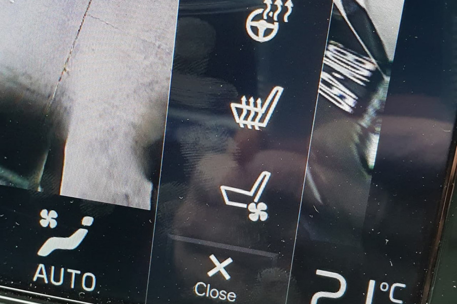 2020 Volvo V60 T5 Inscription T5 Inscription Wagon Mobile Image 6