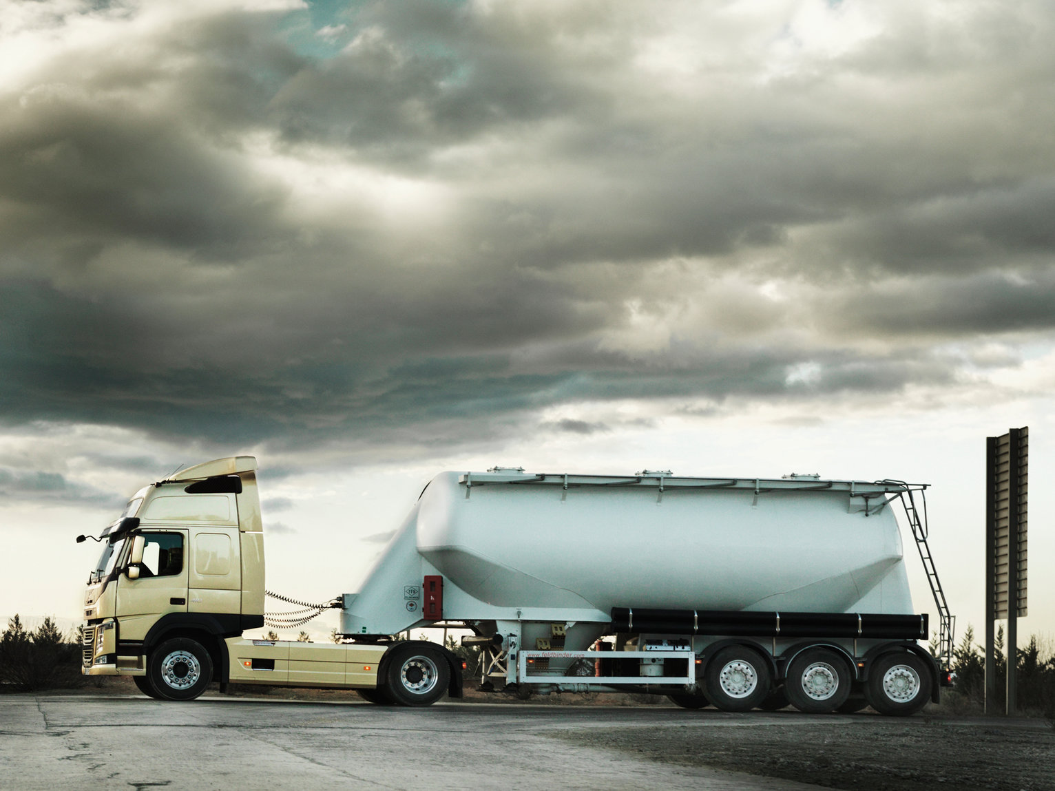 The new Volvo FM Our most flexible truck. Ever.