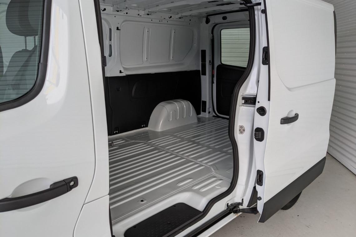 2021 Renault Trafic L2H1 LWB Pro Van Image 4
