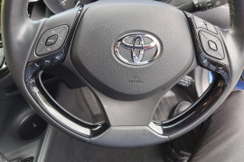 2018 Toyota C-hr NGX10R Suv Mobile Image 14