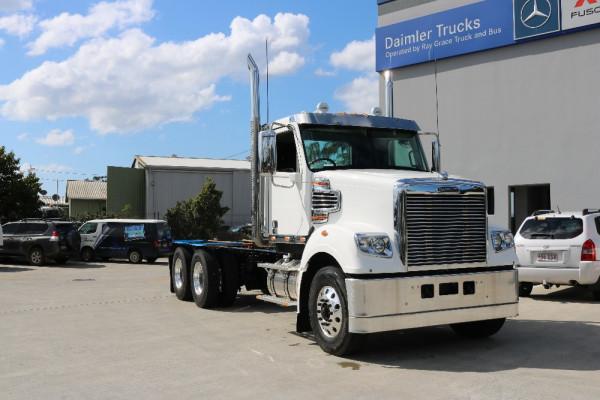 Freightliner Coronado 114