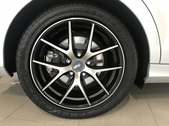 2013 Mercedes-Benz C Class W204 MY13 C200 Sedan Image 5