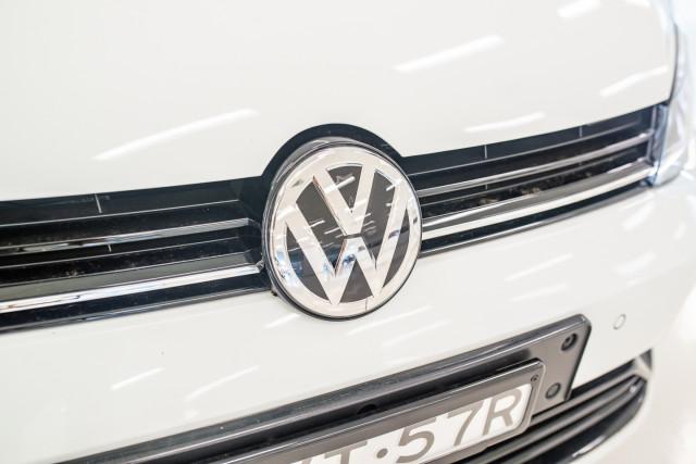 2017 MY18 Volkswagen Golf 7.5 R Grid Edition Hatch Image 11