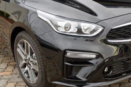 2019 Kia Cerato Hatch BD Sport Plus with Safety Pack Hatchback Image 3