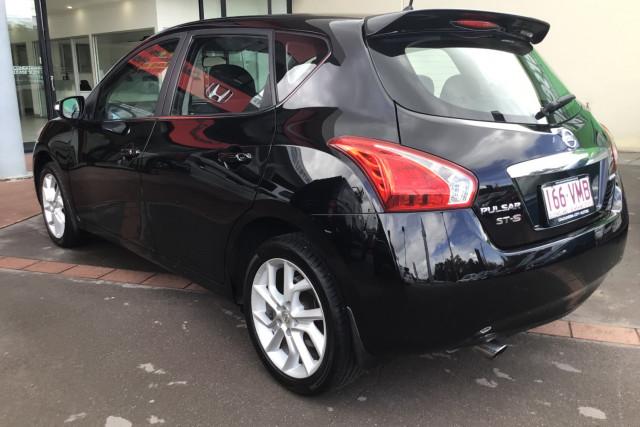 2013 Nissan Pulsar C12 ST-S Hatchback Image 5