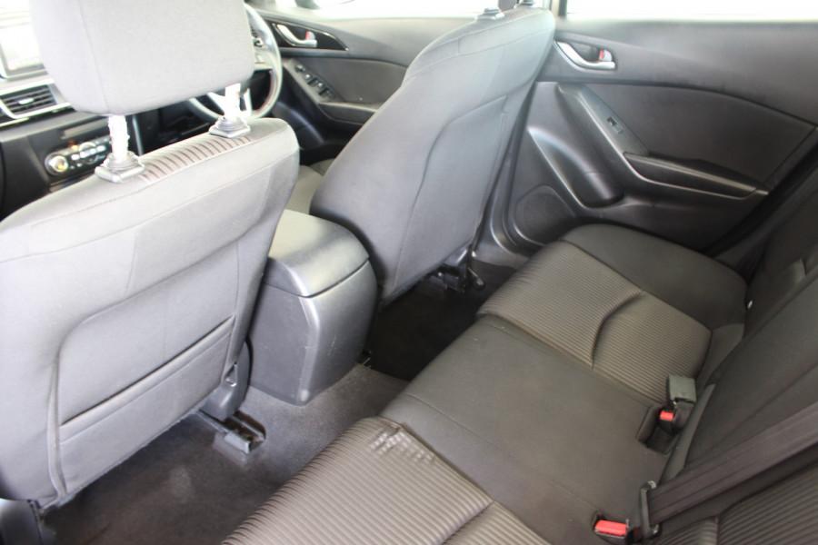 2014 Mazda 3 BM5238 SP25 Sedan Image 9
