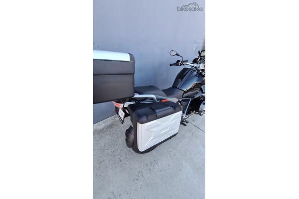2015 BMW R 1200 GS R Dual Purpose Motorcycle Image 4