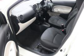 2013 MY14 Mitsubishi Mirage LA ES Hatchback Image 5