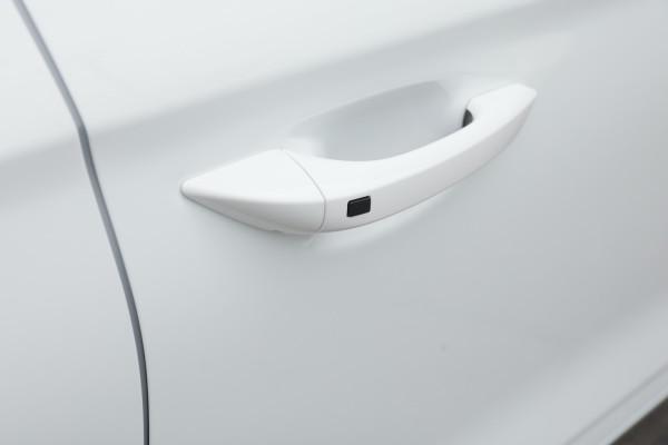 2020 Hyundai IONIQ AE.3 Electric Elite Hatchback Image 5