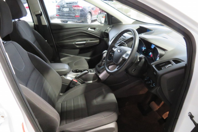 2015 Ford Kuga Ambiente FWD 7 of 24