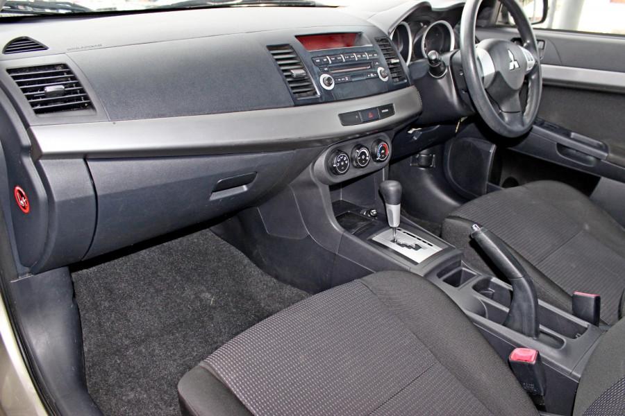 2008 MY09 Mitsubishi Lancer ES Hatchback Image 11