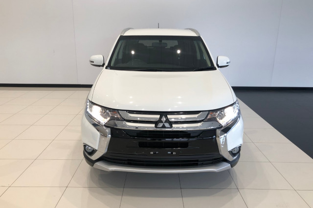 2016 Mitsubishi Outlander ZK LS 4wd wagon Image 3