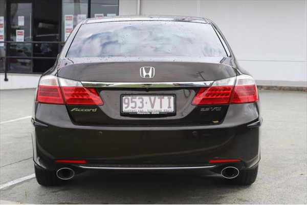 2015 Honda Accord 9th Gen MY15 V6L Sedan Image 3