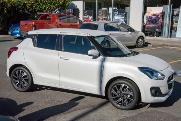2020 Suzuki Swift AZ GLX Turbo Hatchback image 5