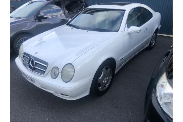 1999 Mercedes-Benz Clk-class C208 CLK320 Elegance Coupe Image 2