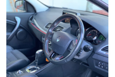 2014 Renault Megane III K95 Phase 2 GT-Line Wagon Image 4