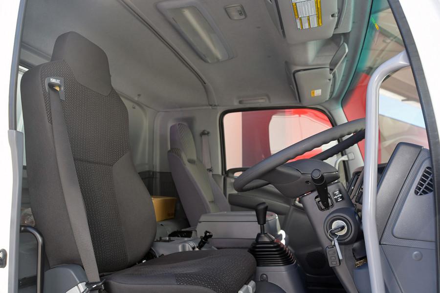 2019 Isuzu F Series FRR 110-260 XLWB 7.8L T/D 6Spd Manual Cab chassis Mobile Image 7