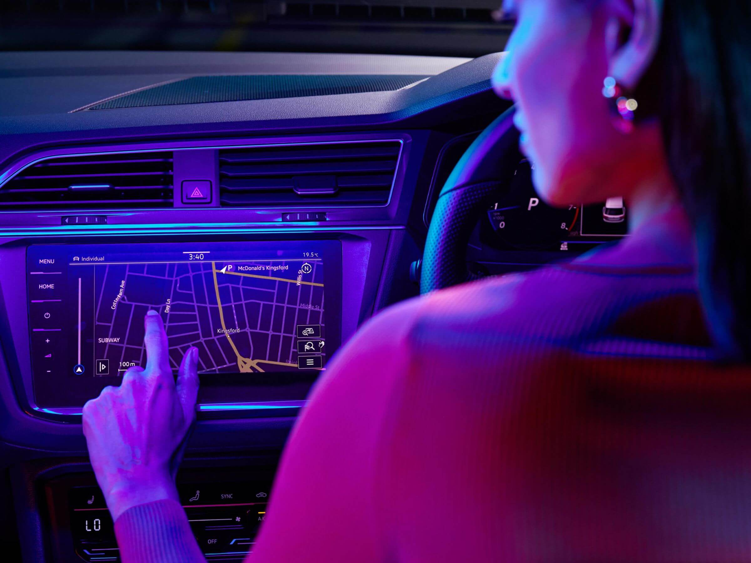 Cord-free and carefree Discover Pro Navigation System Image