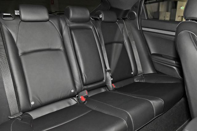 2018 Honda Civic Hatch 10th Gen RS Hatchback Mobile Image 10