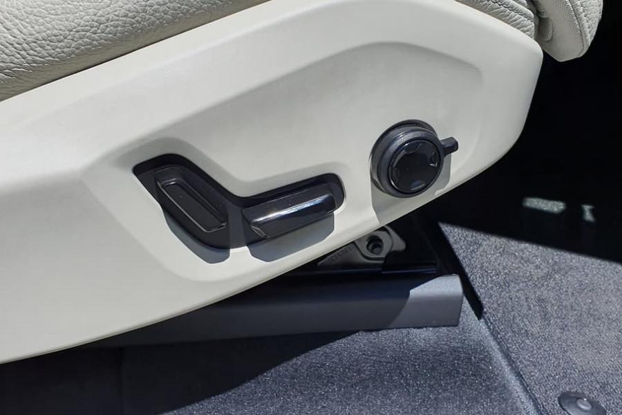2020 Volvo XC60 UZ T5 Momentum Suv Mobile Image 24