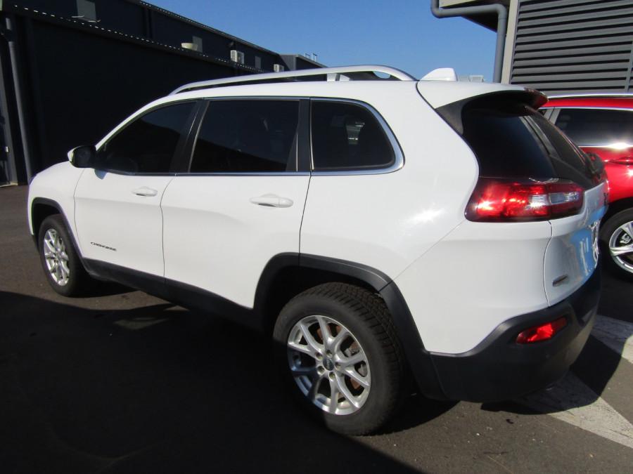 2014 Chrysler Cherokee KL LONGITUDE Wagon Image 3