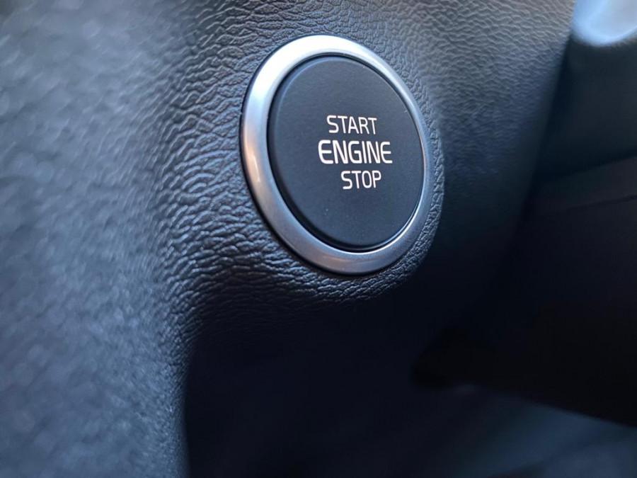 2021 Volvo XC40 XZ T4 Momentum Suv Image 12