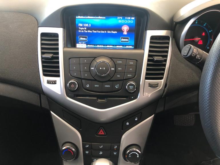 2013 Holden Cruze JH Series II Equipe Hatchback Image 8