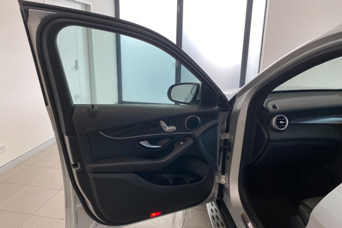 2017 Mercedes-Benz C Class X253 808MY GLC250 Wagon Image 15