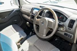 2009 Nissan Navara D40 RX Cab chassis Image 2