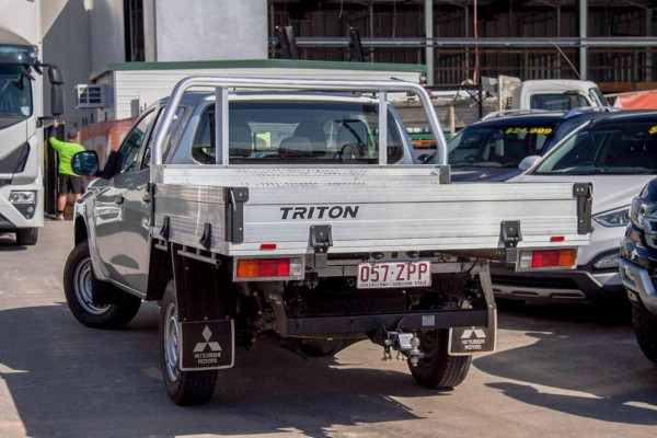 2020 Mitsubishi Triton MR MY20 GLX ADAS (4x4) Double cab pick up Image 2