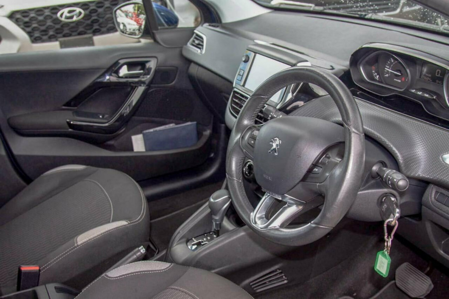 2015 MY16 Peugeot 208 MY16 Active Hatchback Image 6