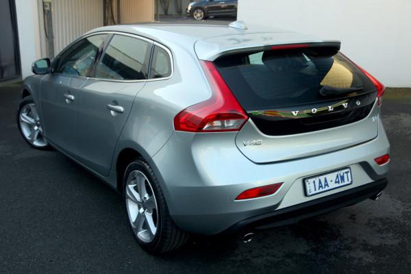 2013 Volvo V40 (No Series) MY13 T4 Luxury Hatchback Image 2