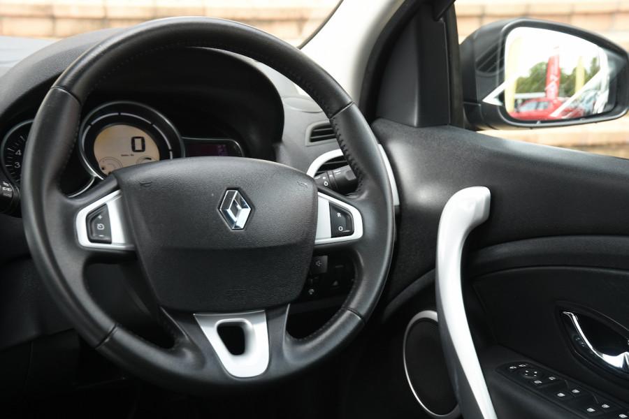 2012 Renault Megane III B32 MY12 Privilege Hatchback Image 9
