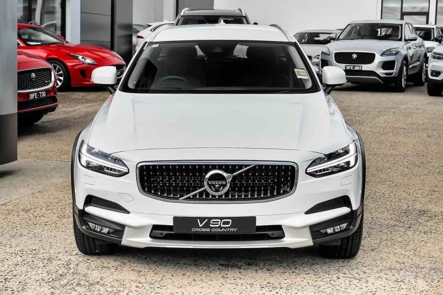 2020 Volvo V90 Cross Country P Series D5 Wagon Image 3