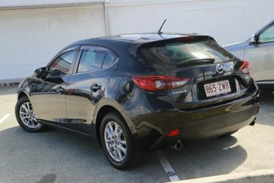 2015 Mazda 3 BM Series Maxx Hatchback Image 2