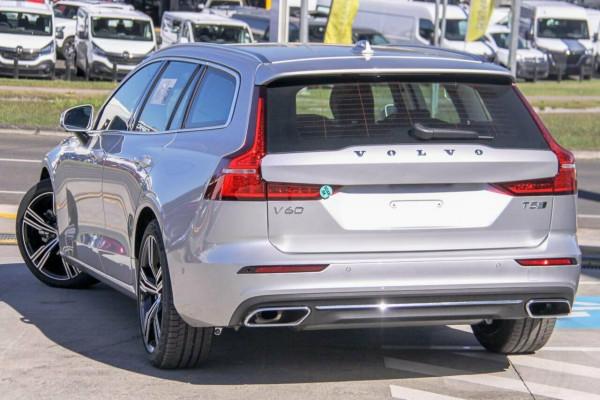 2020 Volvo V60 F-Series T5 Inscription Sedan Image 2