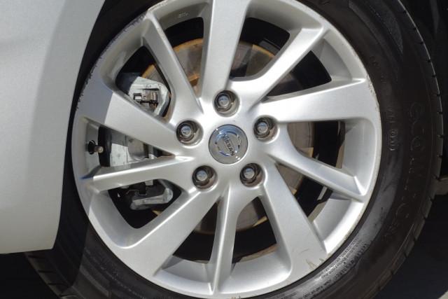 2014 Nissan Pulsar Hatch ST