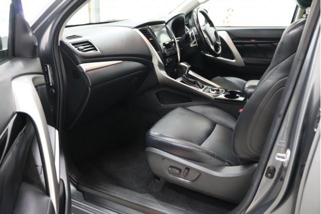 2017 Mitsubishi Pajero Sport QE GLS Suv Image 5