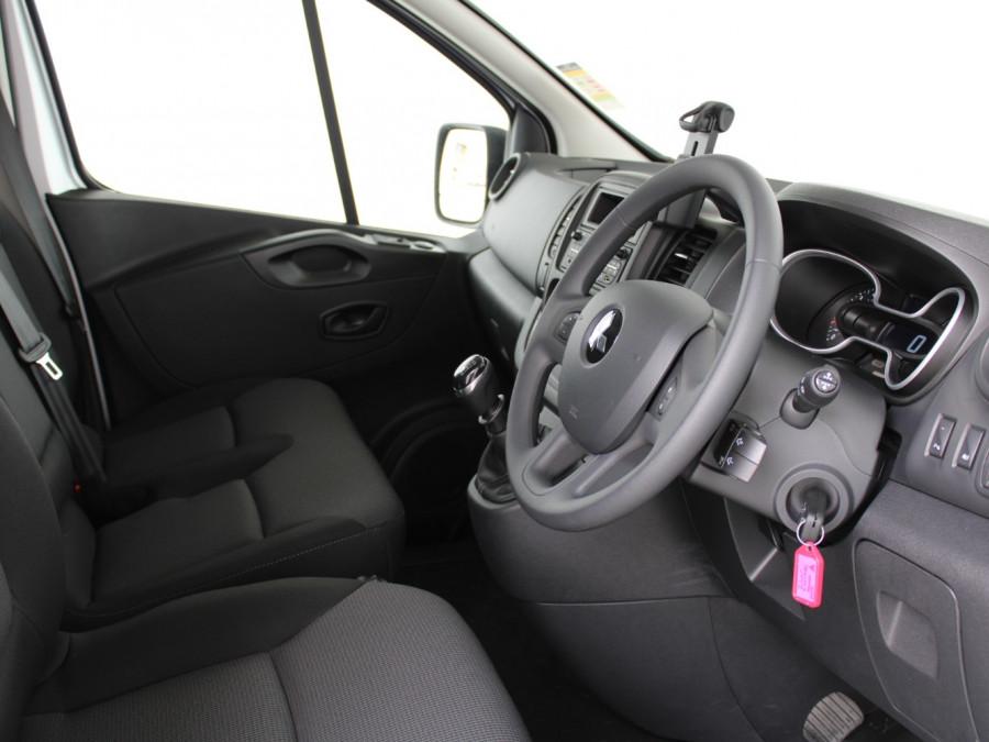 2020 MY21 Mitsubishi Express GLX LWB Manual Van