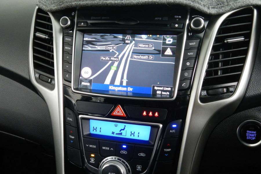 2013 MY14 Hyundai i30 GD2 Elite Hatchback Mobile Image 12