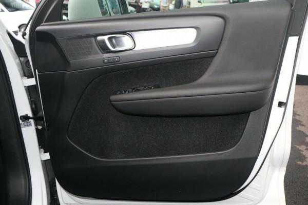 2019 Volvo XC40 Suv Image 5